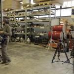 Preparazione del set per le riprese: il nostro magazzino stampi